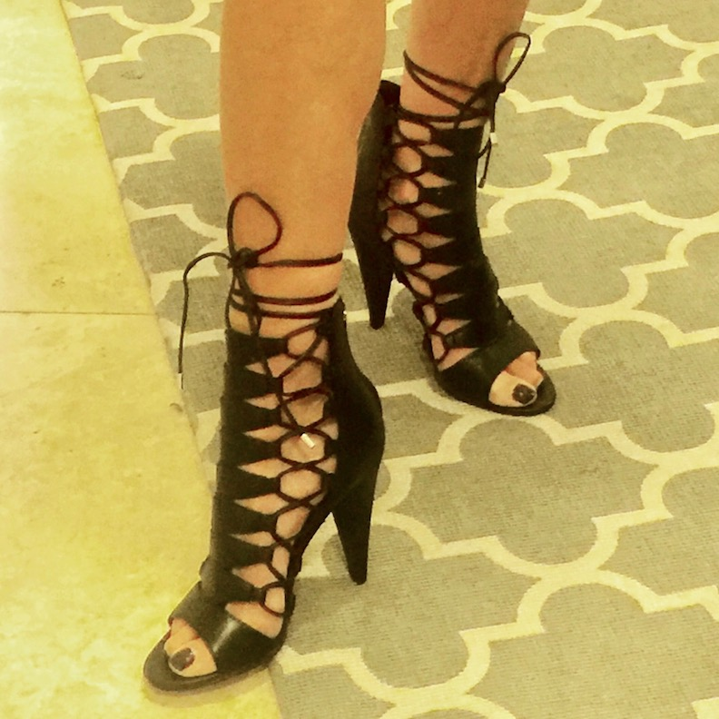 07410b7b4d1 High Heels Can Be Causing Back, Knee and Hip Pain (and make your ...
